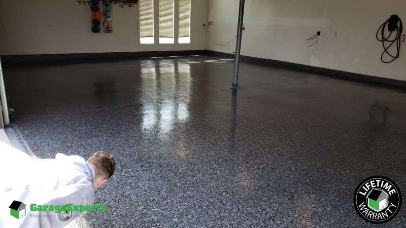 Epoxy Floor in Overland Park proves Carbon is DA BOMB!